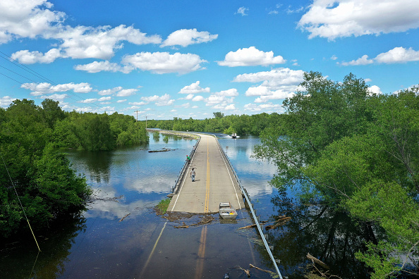 Natural Disaster「Midwest Rivers Reach Major Flood Stage At Historic Levels」:写真・画像(3)[壁紙.com]