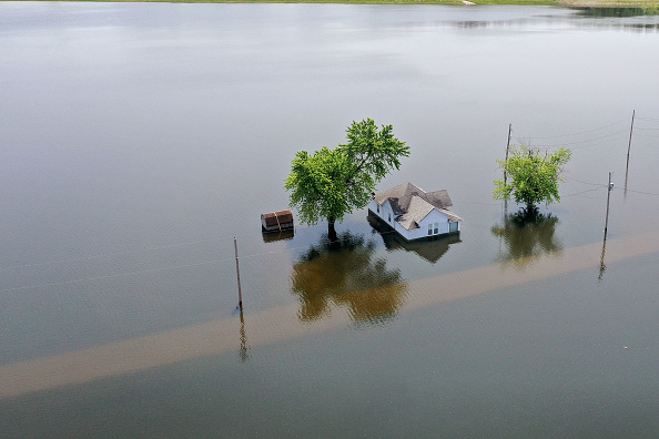 Natural Disaster「Midwest Rivers Reach Major Flood Stage At Historic Levels」:写真・画像(1)[壁紙.com]