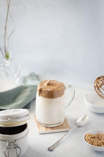 Recipe「Dalgona Coffee, fluffy whipped coffee on milk」:スマホ壁紙(10)