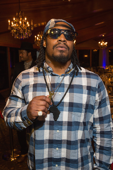 Marshawn Lynch「Seattle Seahawks Marshawn Lynch Hosts FAM 1st FAMILY FOUNDATION Charity Event at The Edgewater Hotel in Seattle, WA」:写真・画像(17)[壁紙.com]