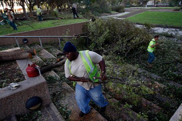 Hurricane Ike「Coastal Texas Faces Heavy Damage After Hurricane Ike」:写真・画像(8)[壁紙.com]