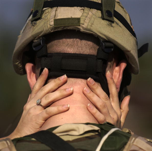 Fort Stewart「Members Of Third Infantry Division Deploy To Iraq」:写真・画像(16)[壁紙.com]