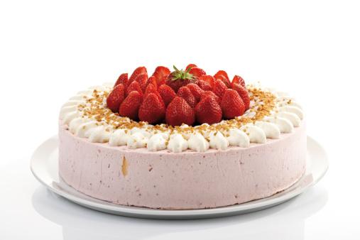 Dessert「Strawberry-cream cake, close-up」:スマホ壁紙(9)