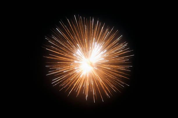 Exploding fireworks against black night sky:スマホ壁紙(壁紙.com)