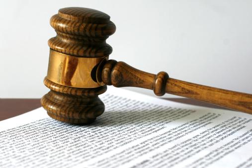 Legal Document「Gavel on document.」:スマホ壁紙(5)