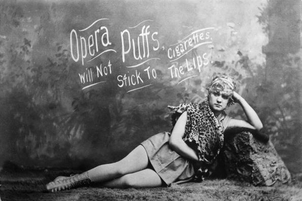 Model - Object「Opera Puffs Cigarettes advertisement.」:写真・画像(19)[壁紙.com]