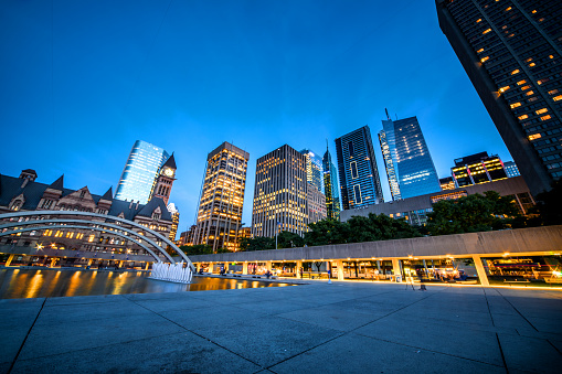 Downtown District「Toronto Nathan Phillips Square, Canada」:スマホ壁紙(13)