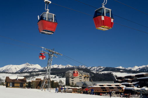 Ski Resort「Cable cars at Big Sky ski resort, Montana」:スマホ壁紙(6)