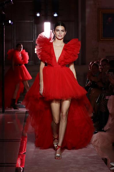 Red Dress「Runway - Giambattista Valli Loves H&M」:写真・画像(3)[壁紙.com]