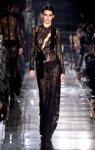 Lace Dress「Tom Ford AW20 Show - Runway」:写真・画像(0)[壁紙.com]