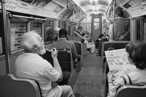 Evening Standard「Smokers On The Tube」:写真・画像(18)[壁紙.com]