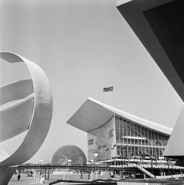 Architecture「Soviet And US Pavillions」:写真・画像(4)[壁紙.com]
