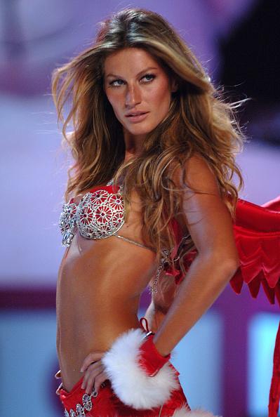 Victoria's Secret「The Victoria's Secret Fashion Show - Runway」:写真・画像(8)[壁紙.com]