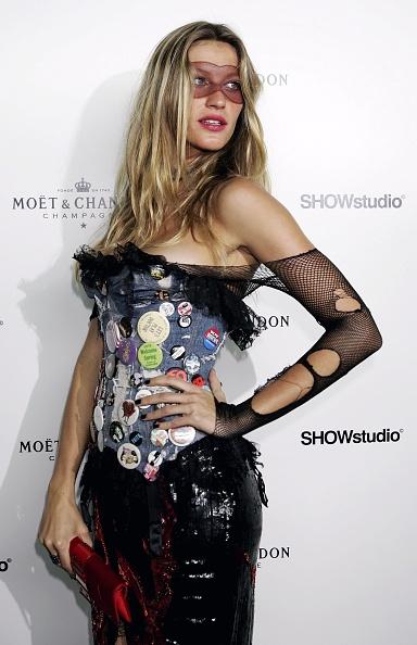 Strapless Dress「Moet and Chandon Fashion Tribute」:写真・画像(6)[壁紙.com]