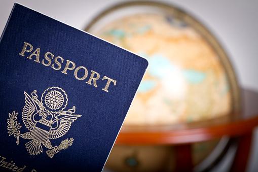Business Travel「American Passport and Globe」:スマホ壁紙(10)