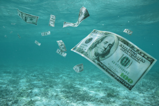 American One Hundred Dollar Bill「Money floating in ocean」:スマホ壁紙(19)