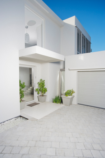 South Africa「Entryway and garage of modern home」:スマホ壁紙(15)