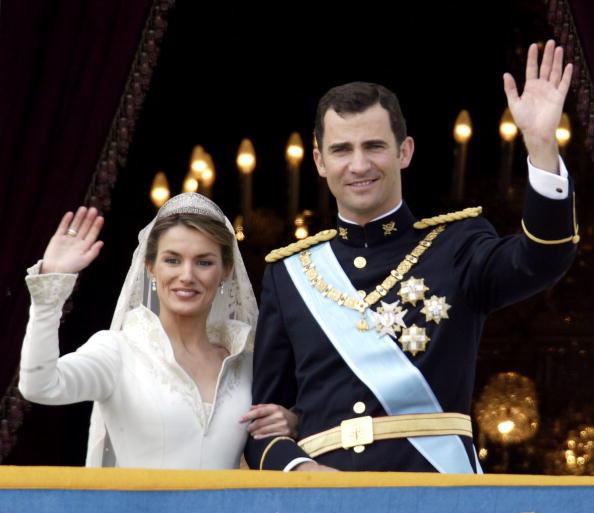 Wedding Dress「Wedding Of Spanish Crown Prince Felipe and Letizia Ortiz」:写真・画像(17)[壁紙.com]
