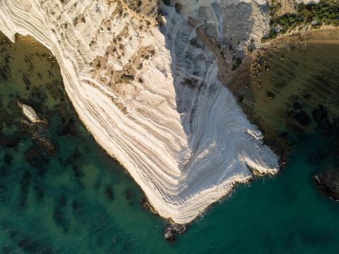 Limestone「White limestone cliffs by the sea」:スマホ壁紙(9)