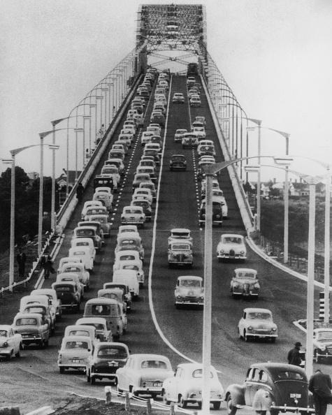 Traffic「Auckland harbour Bridge」:写真・画像(3)[壁紙.com]