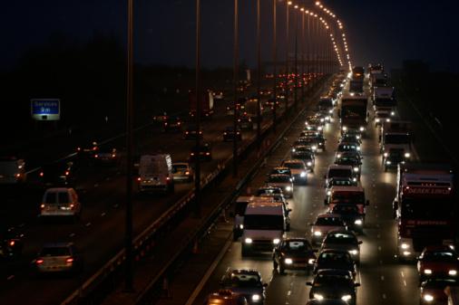Van - Vehicle「Traffic On M1 Motorway, England, UK」:スマホ壁紙(2)