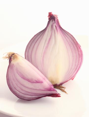 Spanish Onion「Half and a quarter of a red onion.」:スマホ壁紙(5)
