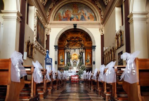 Chapel「Empty church decorated for wedding」:スマホ壁紙(4)