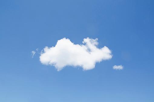Cumulus Cloud「USA, New York, White cumulus cloud in clear blue sky」:スマホ壁紙(16)