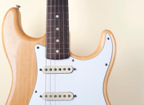 Rock Music「Beige Wood Textured Electric Guitar」:スマホ壁紙(4)