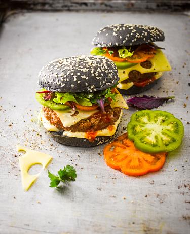 Edam Cheese「Black Bun Burger」:スマホ壁紙(9)