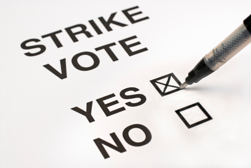 Voting Ballot「Voting for a strike on a ballot paper」:スマホ壁紙(13)