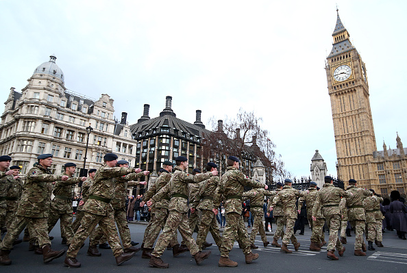 UK「Final March To Parliament By Troops Involved In Operation Herrick」:写真・画像(8)[壁紙.com]