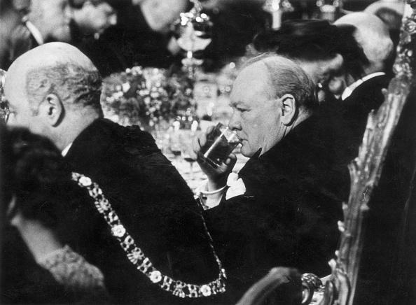 Drinking「Churchill In The City」:写真・画像(3)[壁紙.com]