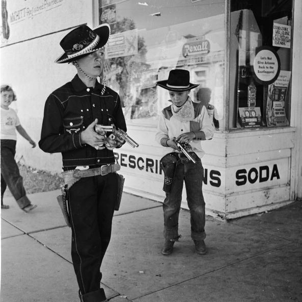 Boys「Cowboy Town」:写真・画像(3)[壁紙.com]