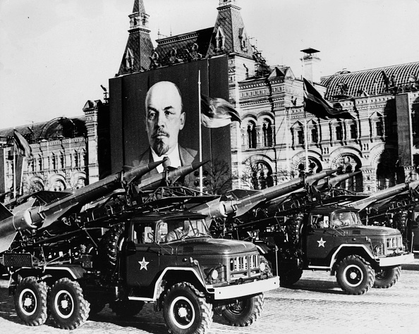 Red Square「Missiles On Parade」:写真・画像(2)[壁紙.com]