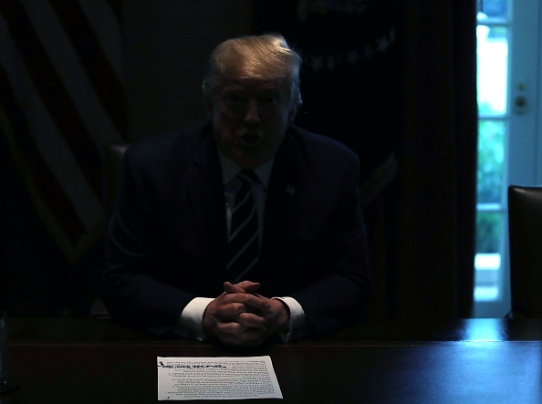 Black Color「President Trump Meets With Members Of Congress In The White House Cabinet Room」:写真・画像(2)[壁紙.com]