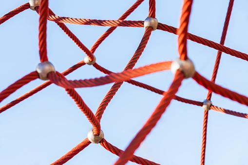 Connection「Red climbing net」:スマホ壁紙(12)