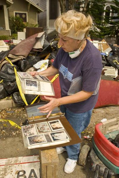 Hurricane Ike「Galveston Residents Allowed To Return Home After Hurricane Ike」:写真・画像(9)[壁紙.com]
