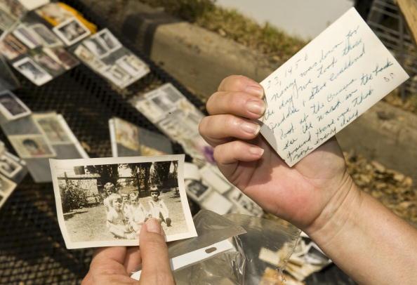 Hurricane Ike「Galveston Residents Allowed To Return Home After Hurricane Ike」:写真・画像(8)[壁紙.com]