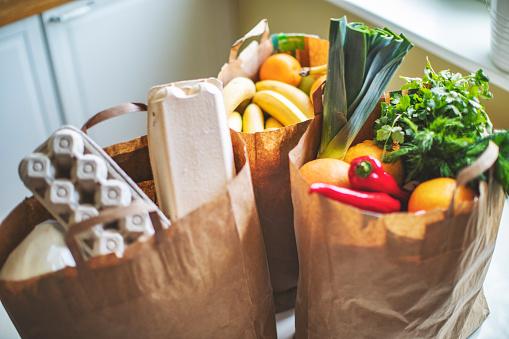 E-commerce「Food delivery during quarantine」:スマホ壁紙(5)