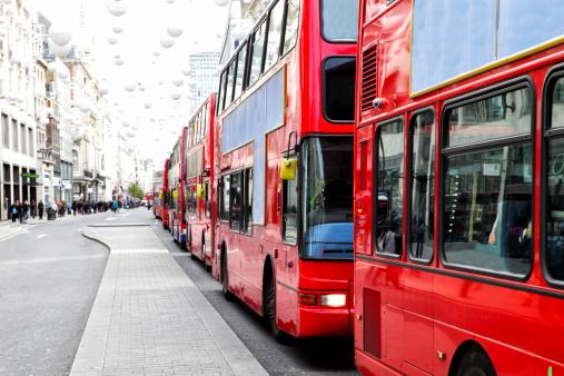 Oxford Street - London「London Bus Traffic Jam」:スマホ壁紙(3)