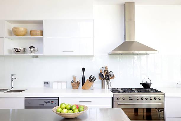White kitchen:スマホ壁紙(壁紙.com)