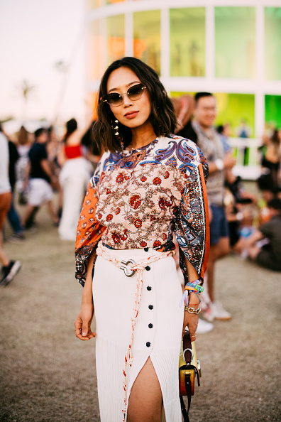 Blouse「Street Style At The 2019 Coachella Valley Music And Arts Festival - Weekend 1」:写真・画像(13)[壁紙.com]