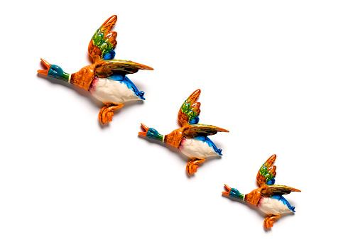 Animal Behavior「Flying Ducks on White Wall」:スマホ壁紙(4)