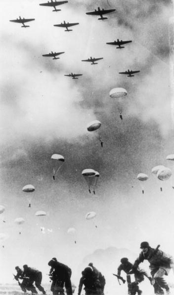 World War II「Invading Crete」:写真・画像(4)[壁紙.com]