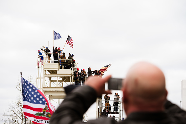 """Capitol Hill「Trump Supporters Hold """"Stop The Steal"""" Rally In DC Amid Ratification Of Presidential Election」:写真・画像(14)[壁紙.com]"""