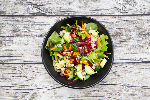 Lettuce「Bowl of autumnal salad with lettuce, carrots, avocado, beetroot, pumpkin and sunflower seeds, pomegranate and quinoa」:スマホ壁紙(12)