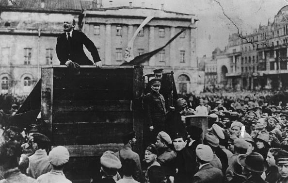 Square - Composition「Lenin Speaks In Sverdlov Square」:写真・画像(4)[壁紙.com]