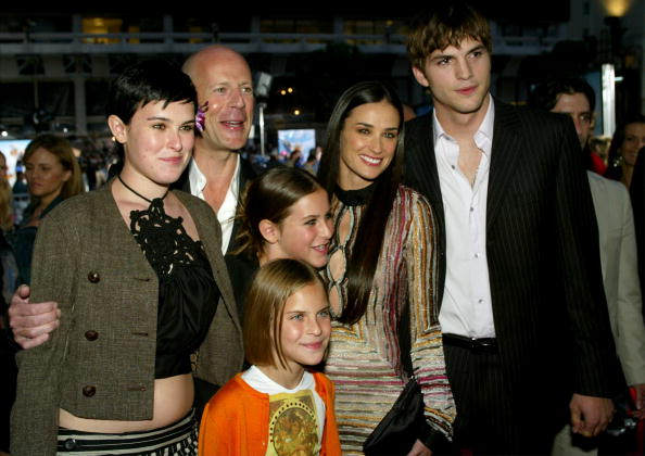 Charlie's Angels「Demi Moore, Ashton Kutcher and Bruce Willis」:写真・画像(9)[壁紙.com]