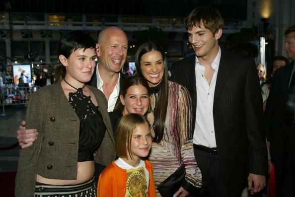 Charlie's Angels「Demi Moore, Ashton Kutcher and Bruce Willis」:写真・画像(5)[壁紙.com]